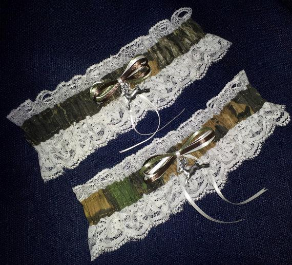 Mariage - Hunting Deer Camo Camouflage Wedding Garter Set w/ Ivory Lace, Realtree