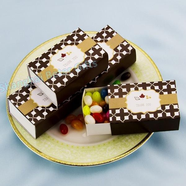 Hochzeit - 12pcs濃濃秋意楓葉喜糖盒創意糖果袋歐式婚禮布置TH036單身派對