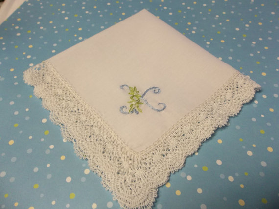 Mariage - a delicate, petite something blue wedding handkerchief, bobbin lace, handmade, bouquet wrap, other color welcome
