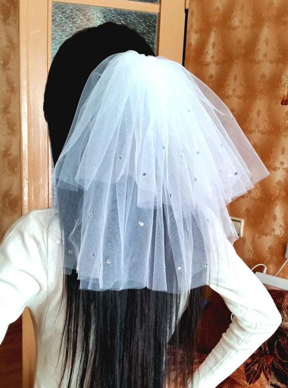 Mariage - Bachelorette party Veil 2-tier white, sparkling with rhinestones, short length. Bride veil, accessory, bachelorette veil, hens party veil