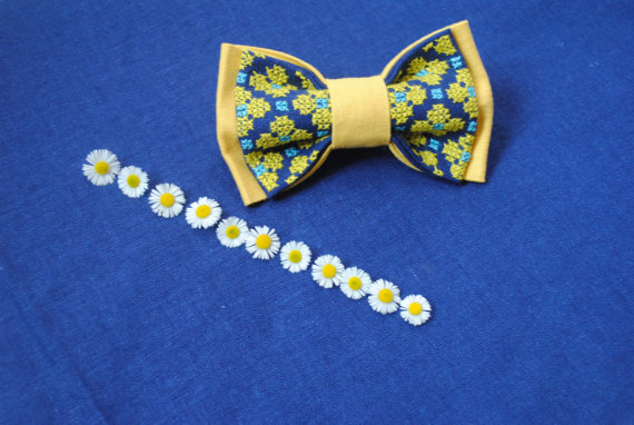 Hochzeit - EMBROIDERED pale yellow blue bowtie Pretied bow ties Floral pattern Blue yellow colours Handmade accessories Girls bows Linen Flax Neckties