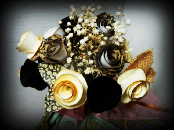 Mariage - Vintage inspired - Burlap collection - Cream and cinnamon - Hand cut  roses - Bouquet of 10