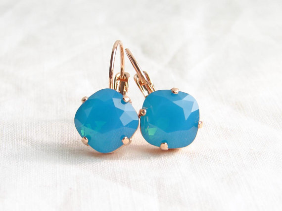 زفاف - Swarovski Cushion Cut Caribbean Blue Earrings. Mermaid Treasure. Gift for Her. Bridesmaid Gift. Beach Wedding. Simple Modern Jewelry