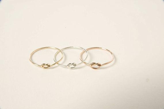 زفاف - Tie the knot bridesmaid gift, unique affordable personalized gift for bridesmaids, knot ring bridesmaids jewelry
