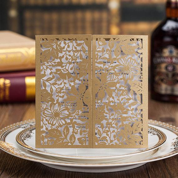 Mariage - 50 Golden Gate-fold Wedding Invitation; Gold Lace Wedding Invitation Cards + 50 RSVP Cards -- Ship Worldwide 3-5 Days -- Set of 50 pcs