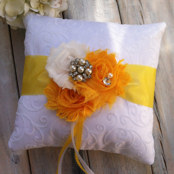 Свадьба - Ring Bearer Pillow, Yellow Ring Bearer Pillow, Sunflower Ring Pillow, Shabby Chic Ring Bearer Pillow, Bridal Accessory, YOUR CHOICE COLOR