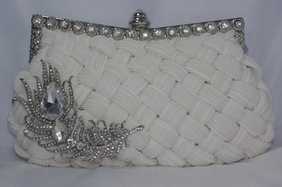 Mariage - White Bridal Handbag - Crystal Clutch - Peacock Feather Brooch Wedding Clutch - White Braided Satin Clutch Bag - White Wedding Purse Peacock
