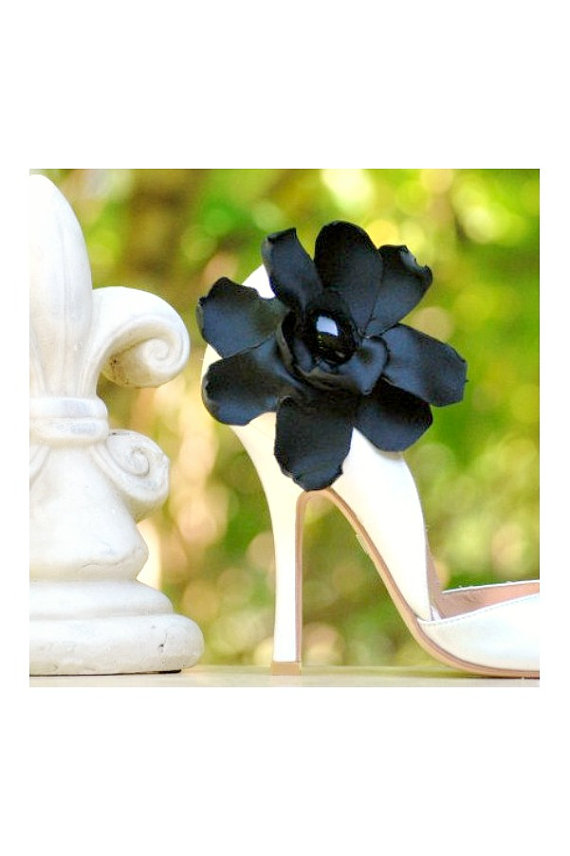 Mariage - Shoe Clips Luxurious Black. White Ivory Blue Red Shoe Clip. Sophisticated Couture Bride Bridal Bridesmaid Party Gift, Gothic Goth Noir Heels