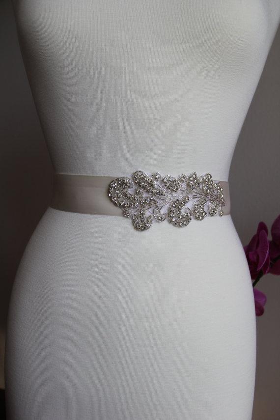 Mariage - Elegant and gorgeous rhinestone detailed bridal sash, wedding sash, bridal belt, rhinestone belt, rhinestone sash, rhinestone applique