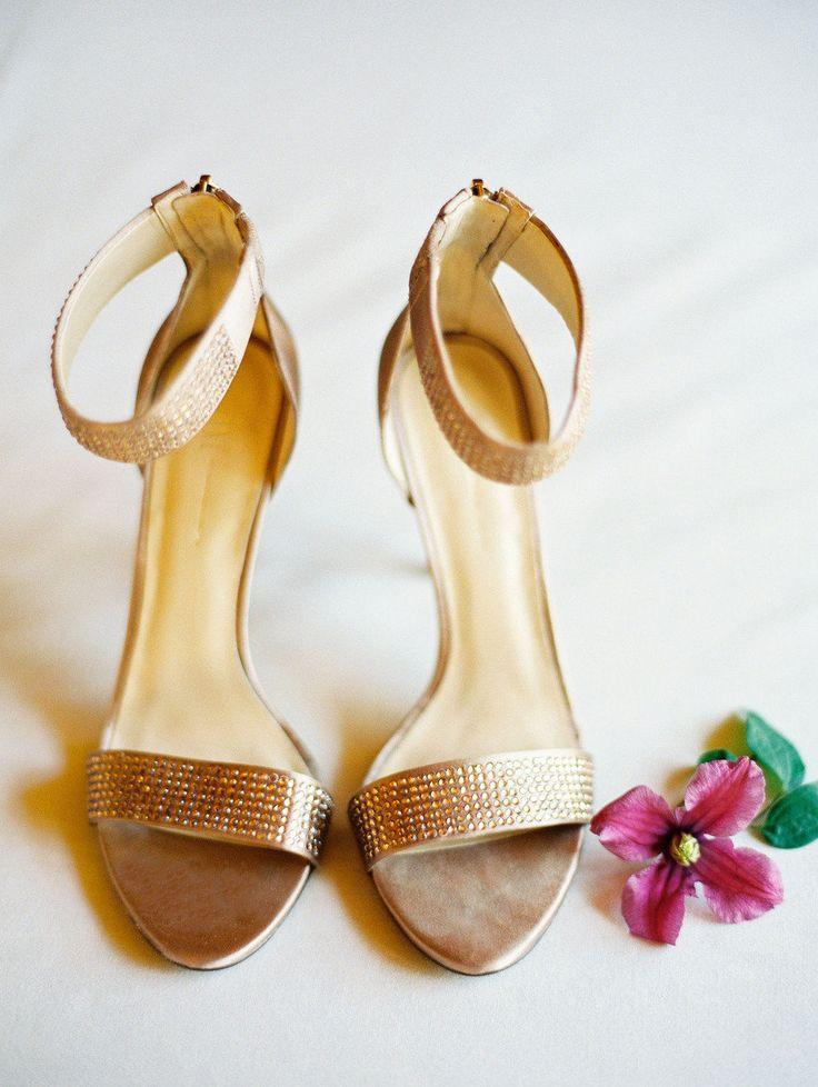 Hochzeit - Neutral Shoes That Pair Pretty With Any Wedding Dress