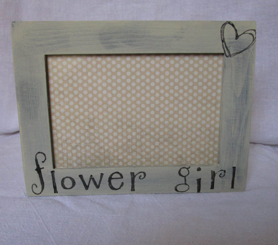 Свадьба - Flower Girl Picture Frame - Ring Bearer- Bridesmaid- Mr and Mrs- Bridal Party Gift