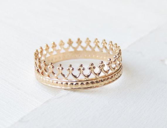 Mariage - Gold Crown Ring, 14k Gold Ring, Wedding Ring, Delicate Gold Ring, 14k Gold Band, Yellow Gold Ring, Stacking Ring, Recycled Gold Ring