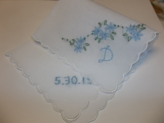 Mariage - stitched for headoverhooves/personalized something blue wedding handkerchief, handoidered, bouquet wrap, bridal gift, wedding colors welcome