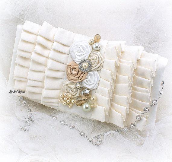 Mariage - Purse, Handbag, Bag, Clutch, Ivory, Cream, White, Tan, Champagne, Ruffles, Satin, Pearl Strap, Crystals, Pearls, Vintage Wedding