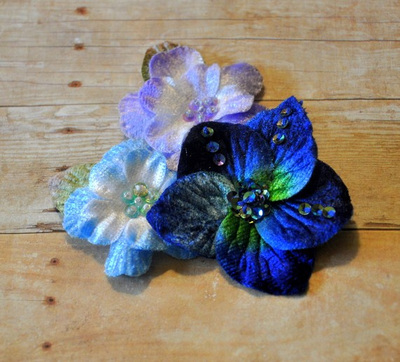 زفاف - Single Grouped Velvet Flowers-Blue Shades