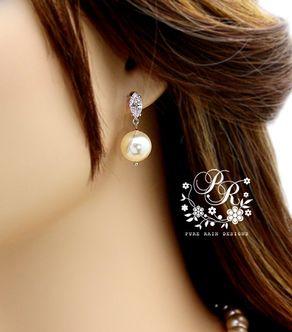Mariage - Wedding Earrings Zirconia Swarovski Pearl Earrings Wedding Jewelry Bridal Earring Bridesmaid Gift Wedding Accessory Zirconia Earrings Sasa