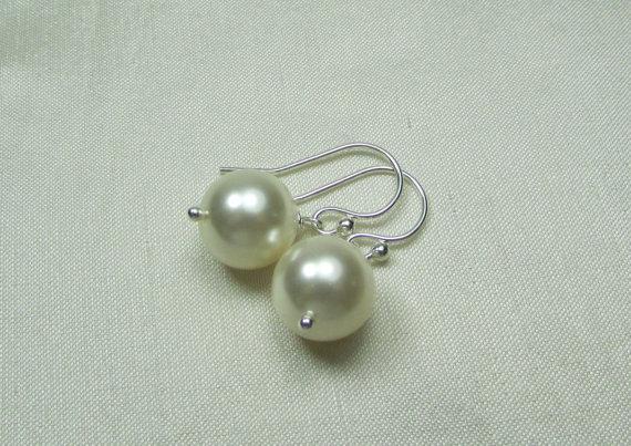 Mariage - Pearl Bridal Earrings Bridesmaid Jewelry Set of 3 Large Pearl Bridesmaid Earrings Bridal Jewelry Wedding Jewelry