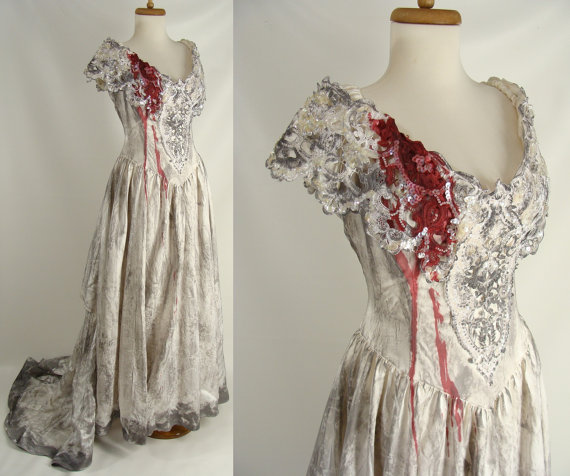 Mariage - upcycled Distressed Bloody Vampire Bride Wedding Dress with Veil Gown Zombie Halloween Costume 12 L