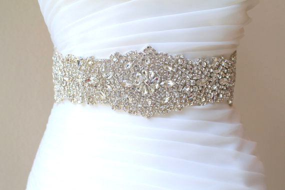 Mariage - Bridal beaded luxury crystal sash. Wide wedding couture rhinestone belt. VINTAGE CRYSTAL DELUXE. 27""
