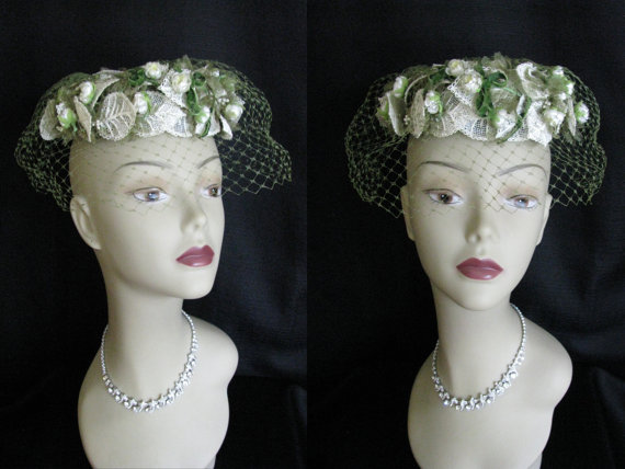 Mariage - Vintage 1950s Bridal Hat Evelyn Varon White Lace and Flower Wedding Hat