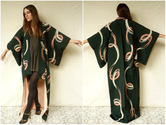 Свадьба - Vintage Authentic Japanese Swirl Pattern Kimono Robe Duster Jacket