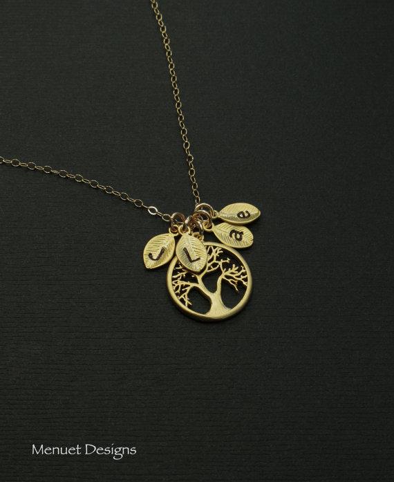 زفاف - Gold Tree of Life, Mother of Bride and Groom  Necklace,  Personalized Jewelry, Family Tree Leaf Pendant, Initials 1~8 leaves, Bridal Jewelry