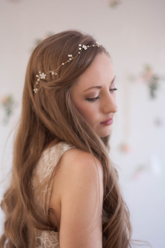 زفاف - Delicate flower crystal hair vine, crystal wreath, bridal headband, gold hair vine, pearl hair vine, crystal vine, wreath, bridal halo #130