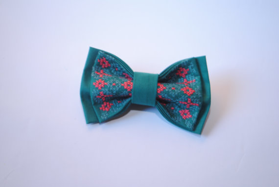 Wedding - Jade bowtie with red jade embroidery Can be made by order in Emerald Sage Shamrock Kelly green Sea green Hunter green Viridian colours Groom
