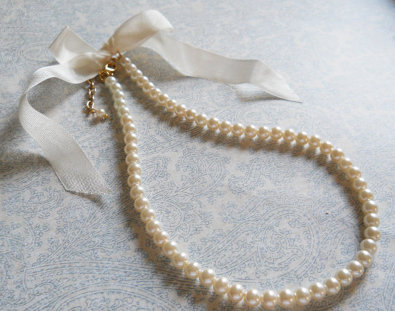 Свадьба - Flower Girl Necklace Ivory Pearl Bow Necklace Flower Girl Jewelry Weddings Necklace for Flower Girls Accessory White Pearl Necklace With Bow
