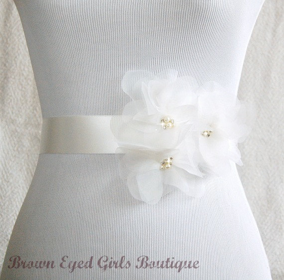 زفاف - Ivory Organza Flower Bridal Sash -Vera Wang Inspired