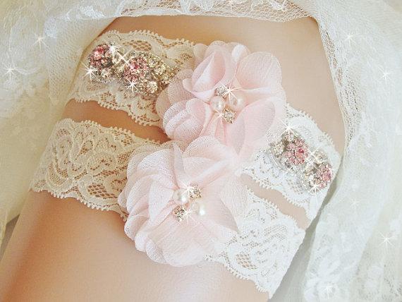 Свадьба - Jeweled Lace Wedding Garter Set, Bridal Garter, Blush Wedding Garter, Pink Garters, Bridal Lingerie, Rhinestone Garter, Bridal Accessories