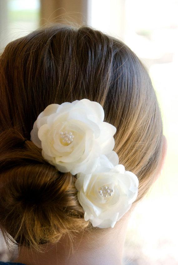 Mariage - Wedding Hair Flower /  Bridal Hair Piece / Bridal Headpiece (includes 2 Ivory hair pins) Vintage Wedding Flowers