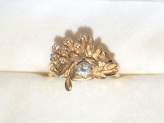 Mariage - Vintage Diamond Ring. Art Nouveau Engagement Ring. 14K Gold. 8 Diamonds with 0.41 TCW. April Birthstone. 10 Year Anniversary Stone.