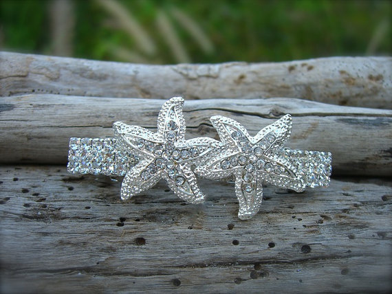 Mariage - Beach Wedding Starfish Silver Sparkle Hair Accessory, Nautical Wedding, Beach Bride, Starfish Hair, Mermaid Hair Clip, Destination Wedding
