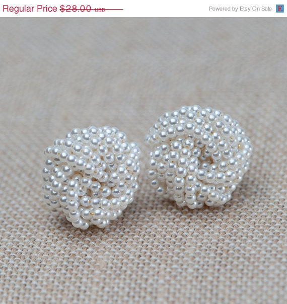 Mariage - ON SALE Pearl Earrings,Pearl Knot Earrings, Post Earrings, Bridal Earrings, Vintage Pearl Earrings