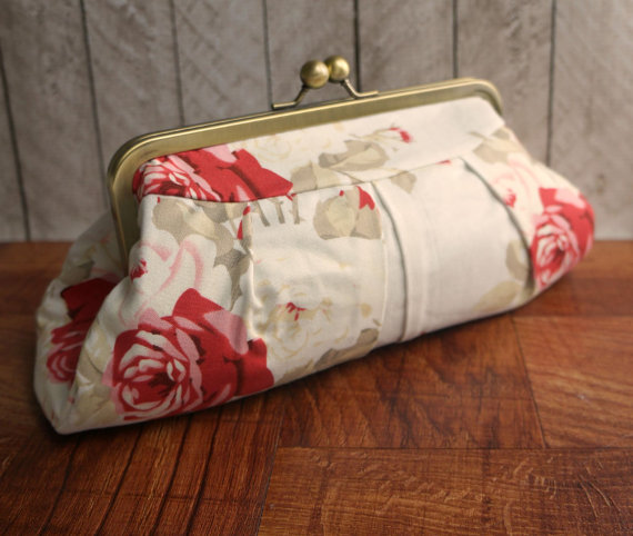 Mariage - Ivory clutch purse with red roses, rose clutch, framed clutch purse, floral clutch, wedding clutch, bridal bag