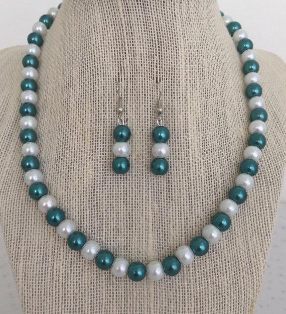 Hochzeit - Teal Pearl Necklace, Teal Bridesmaid Wedding Jewelry, Peacock Wedding Jewelry, Teal Bridesmaid Gift, Teal Beaded Jewelry, Teal Bead Necklace
