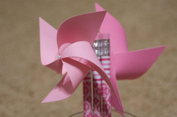 Mariage - Pink Wedding Favors 6 Mini Pinwheel pencils (Custom orders welcomed)