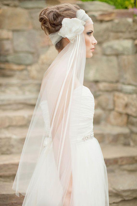 Mariage - Silk Flower Veil, Fingertip Veil, Floral Headpiece, Bridal Fascinator, Bridal Veil, Headwrap Veil, 1920's, Art Deco - Rosalyn MADE TO ORDER