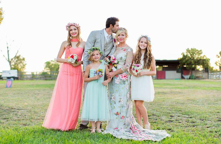 http://s3.weddbook.com/t4/2/3/5/2352183/even-more-stunning-pictures-from-jennie-garths-gorgeous-wedding.jpg