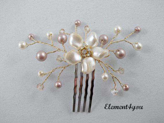Hochzeit - Bridal hair comb. Small hair piece. Wedding accessories. Swarovski pearls. Champagne ivory mix. Floral hair comb. Bridesmaid hair do.