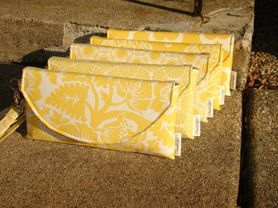 Mariage - Set of 5 Custom Made Bridesmaids Clutches (More Available) ... Yellow Wedding Colors