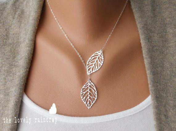 Свадьба - Leaf Lariat in silver - Silver Jewelry - Modern Dainty - Lovely - Gift For - Lariat Necklace - Silver Jewelry - The Lovely Raindrop