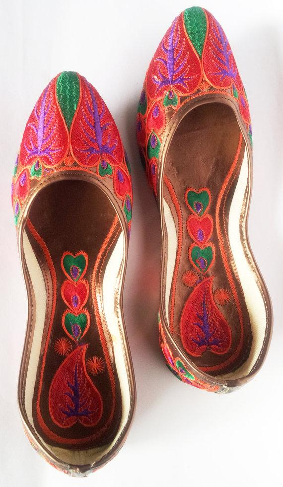 Mariage - 15%SummerCelebration US size 5/ Red Embroidered Shoes/Women Ballet Flats/Multicolor Women shoes/Designer Shoes/Wedding Shoes/Royal Styled Jo