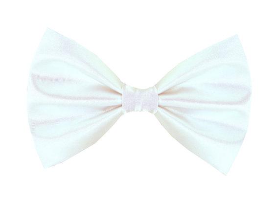 Свадьба - White Satin Wedding Dog Bow Tie/ Formal Dog Bow: White Satin