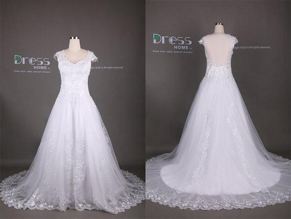 Свадьба - White Cap Sleeve Lace A Line Wedding Dress/Lace Long Court Train Wedding Gown/Custom Made Lace Bridal Dress/Wedding Dresses DH316