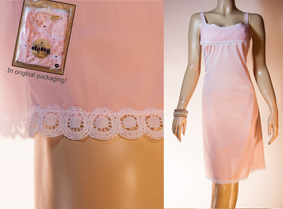 Свадьба - NWOT unworn XL plus size soft sheer candy pink nylon with pleats and delicate white lace detail 1950's vintage full slip petticoat - PL1118