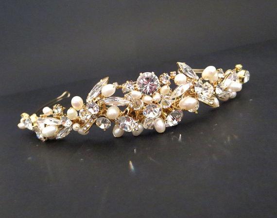 Свадьба - Gold Wedding tiara, Bridal rhinestone and pearl tiara, Gold Bridal headband, Wedding hair accessory, Freshwater pearl