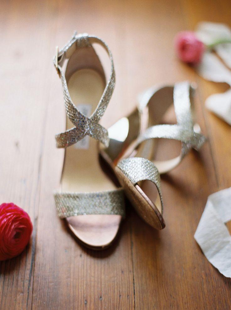 Свадьба - Romantic Tented Spring Berry Hill Wedding