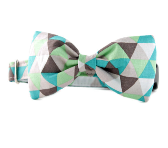 Свадьба - Bow Tie Dog Collar - Taupe and Green Diamonds Bow Tie Dog Collar  - Bowtie for dogs - dog wedding attire - boy dog collar - FREE SHIPPING